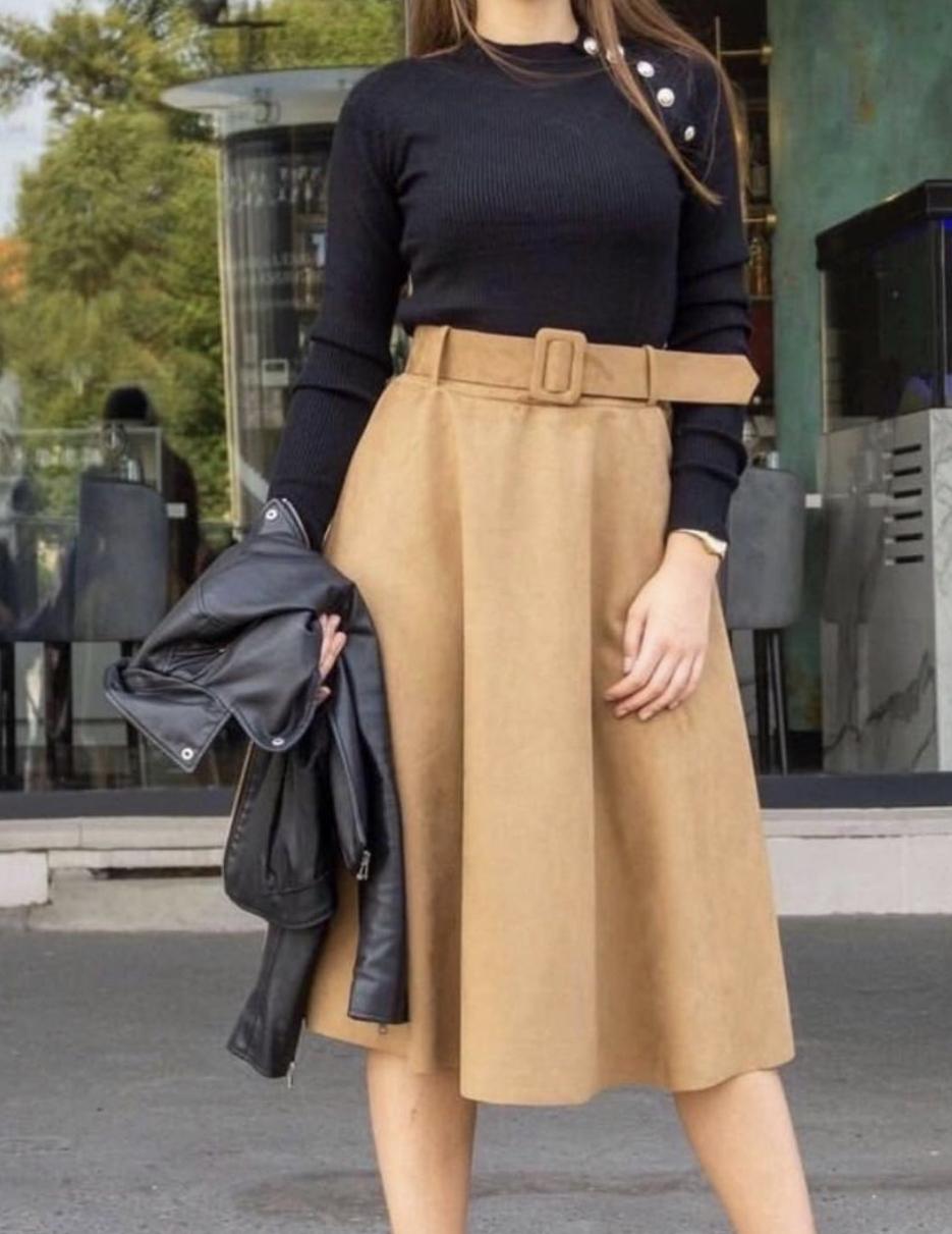 Stilingas sijonas su diržu