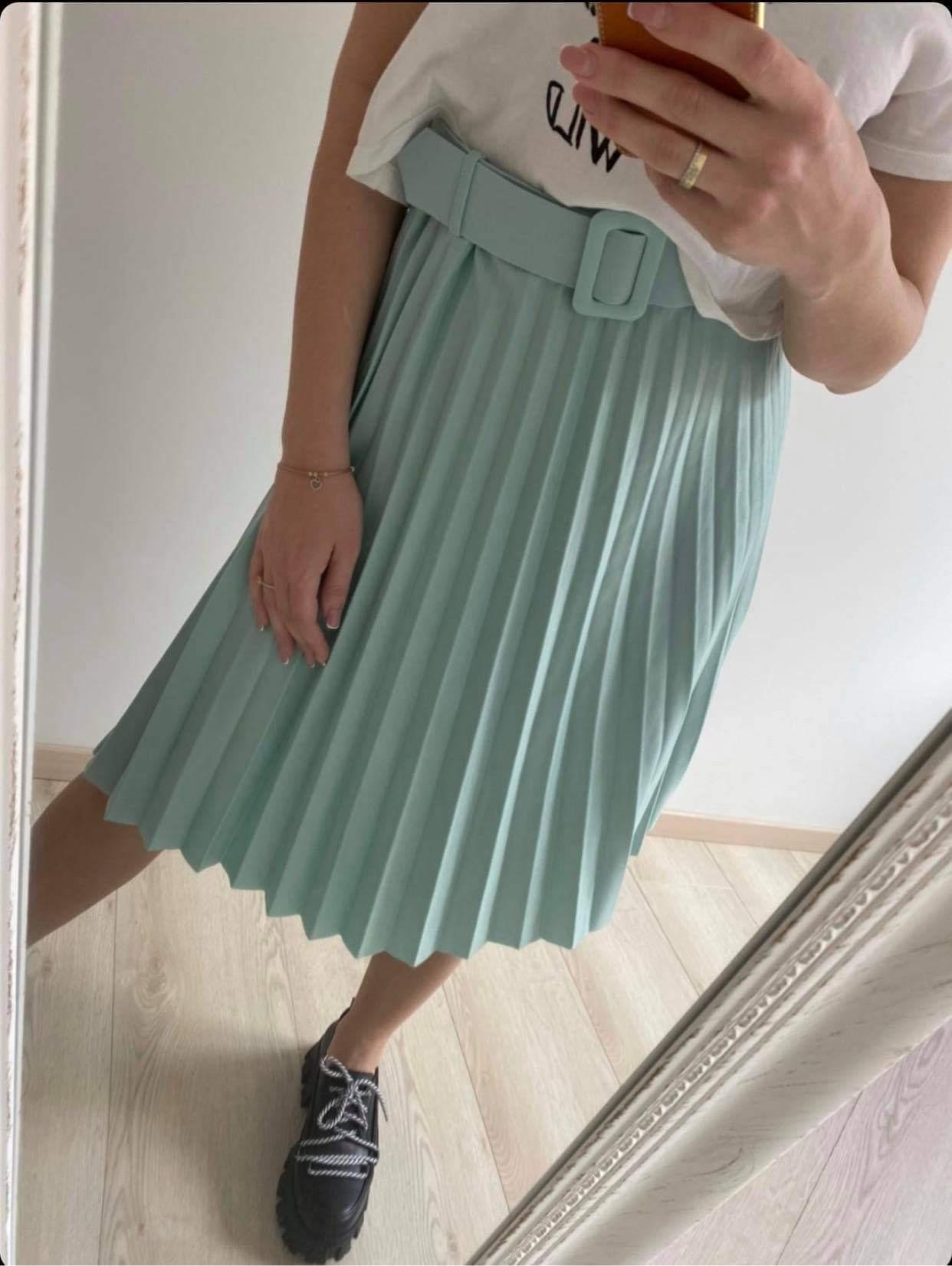 Plisuotas sijonas su diržu
