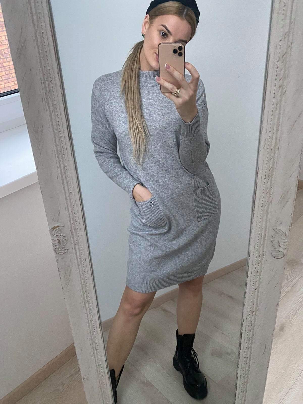 Megzta suknelè su kišenèm