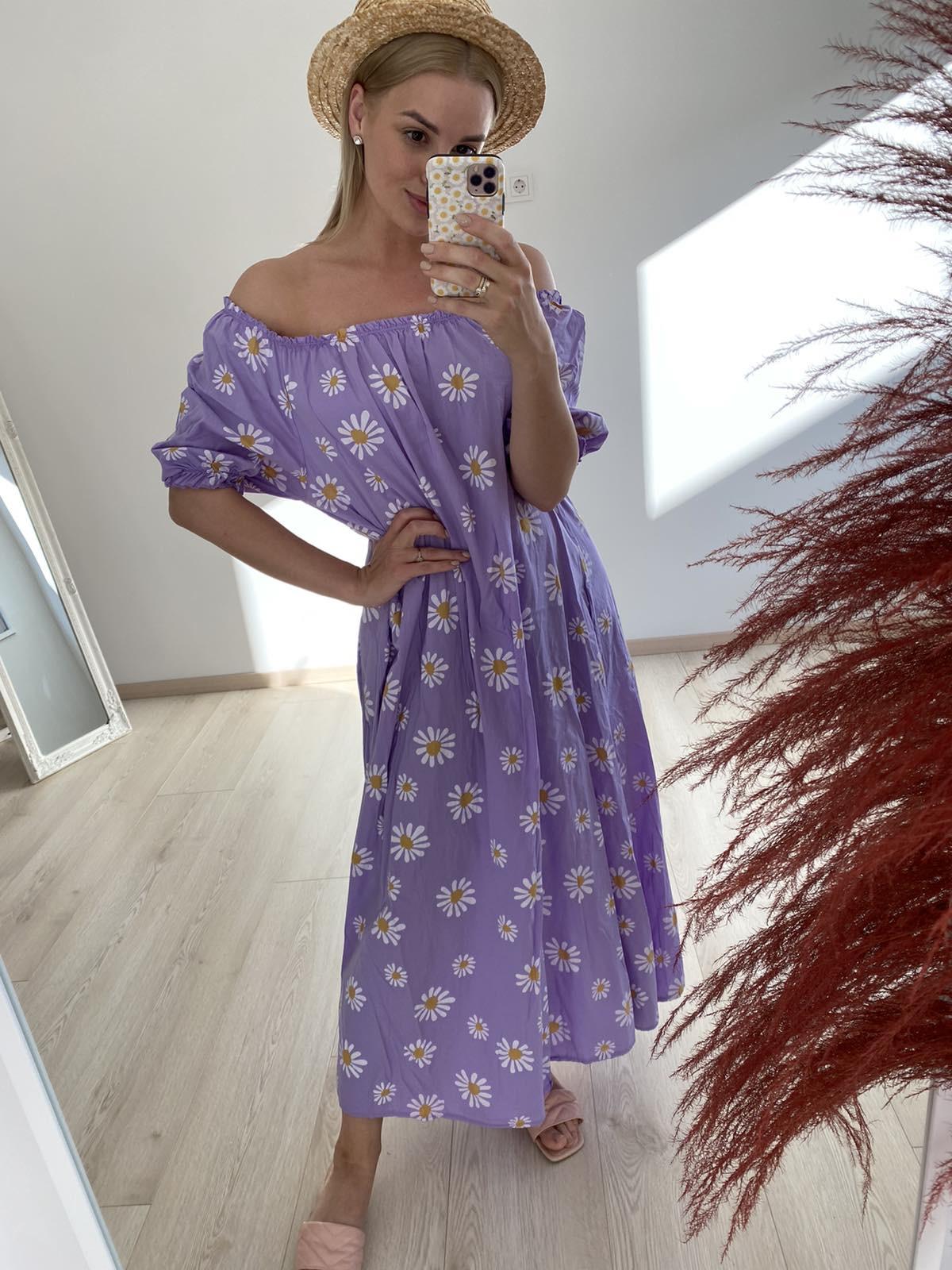 Stilinga alyvinė suknelė nuleistais pečiais